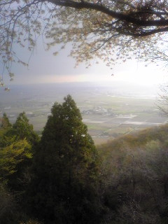宮城県涌谷町箟岳山山頂から見た箟岳山北側の画像です。