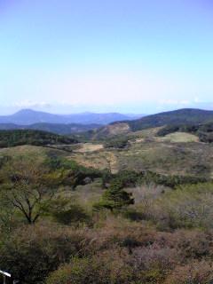 宮城県気仙沼市徳仙丈山の気仙沼市市民の森から見た室根山(?)の画像です。