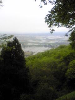 宮城県涌谷町箟岳山山頂から望んだ箟岳山北東方向の様子です。