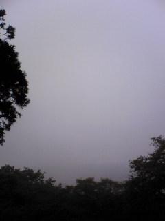 宮城県涌谷町箟岳山山頂の今朝の上空の様子です。