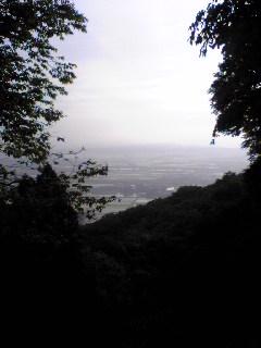 宮城県涌谷町箟岳山山頂から見たふもとの様子です。