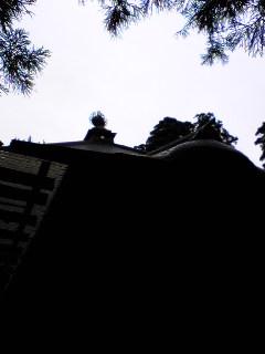 宮城県涌谷町箟岳山にある箟峯寺上空の様子です。
