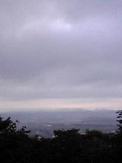 宮城県涌谷町箟岳山東側の今朝の夜明け前の空の様子です。