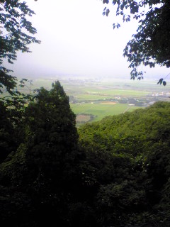 宮城県涌谷町箟岳山から見た箟岳山北東側の様子です。