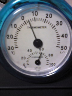 私の部屋の室内温度計です。