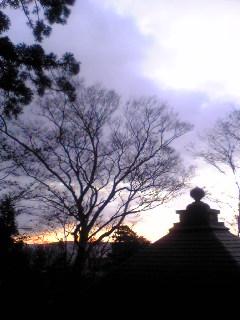 今朝の宮城県涌谷町箟岳山箟峯寺上空の様子です。
