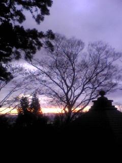 今朝の宮城県涌谷町箟岳山の箟峯寺上空の様子です。