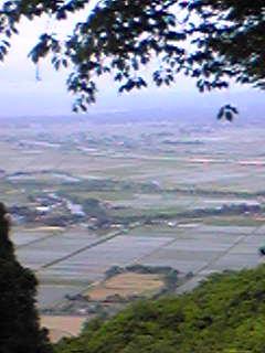 昨日の箟岳山から見た箟岳山北側の様子です。