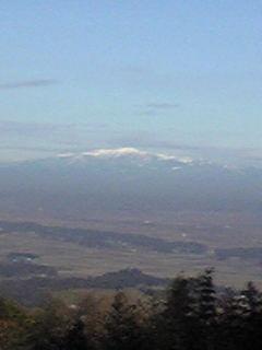 箟岳山から見た栗駒山の様子です。